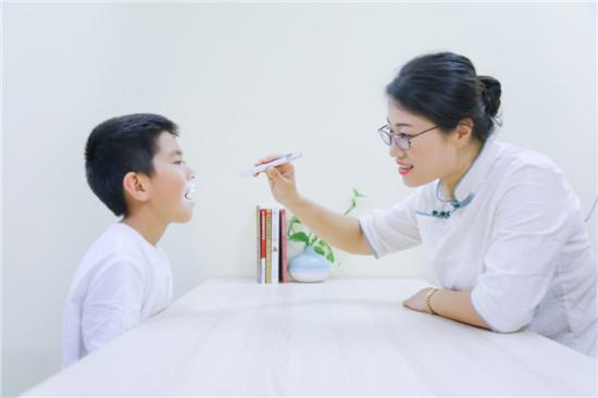氧气生活创始人钱晓晨:为孩子筑起健康的长城