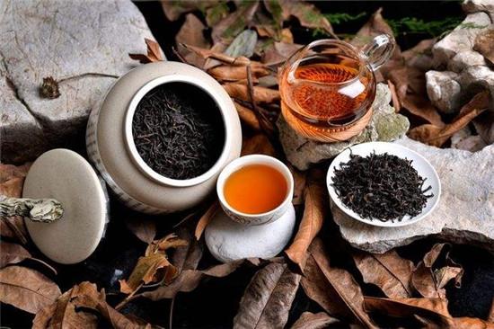六神茗茶植萃沐浴露,御茶养肤重塑自然美肌